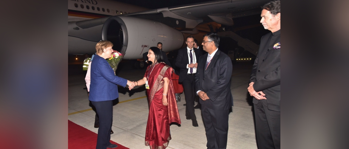 Ambassador Mukta Tomar welcomes Chancellor Merkel on her arrival in Delhi for the 5th Inter-Governmental Consultations