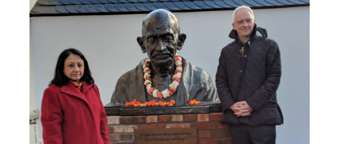 Ambassador of India to Germany, Mrs. Mukta Dutta Tomar  with Lord Mayor of Trier, Mr. Wolfram Leibe unveiled the bust of Mahatma Gandhi as part of the of the 150th birth anniversary celebrations of Mahatma Gandhi in Germany